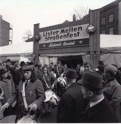 Eine Meile feiert: Der Musikzug sorgt für Stimmung beim Lister-Meilen-Straßenfest  1972 | Quelle: Wilhelm Hauschild