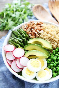 Quick and easy Spring Quinoa Bowl Recipe #easyrecipes #healthyfood #summerrecipes #recipes #healthyrecipes
