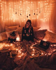 54 cozy decor ideas with bedroom string lights 25 Sleepover Room, Fun Sleepover Ideas, Cute Room Ideas, Cute Room Decor, Dream Rooms, Dream Bedroom, Room Ideas Bedroom, Bedroom Decor, Girls Bedroom