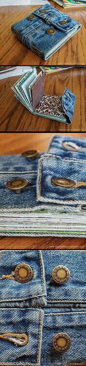 Kris is making handmade journal. They use cuffs from recycled denim jacket, but I might try this with the waist bands from Kayla's old jeans! Jean Crafts, Denim Crafts, Do It Yourself Jeans, Mini Albums, Pochette Portable, Upcycling Design, Sewing Crafts, Sewing Projects, Denim Ideas