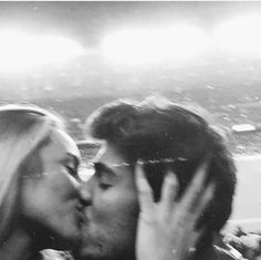Cute couple goals, blurry black and white aesthetic. Cute couple goals, blurry black and white aesthetic. Image Couple, Photo Couple, The Love Club, This Is Love, Cute Relationship Goals, Cute Relationships, Cute Couples Goals, Couple Goals, Romance