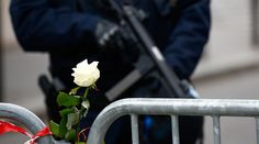 From Moscow to LA, security measures tightened following Paris attacks   Published time: 14 Nov, 2015 18:24  Get short URL       A white rose is attached to a barrier as a French policeman with an automatic weapon secures the area near the Bataclan concert hall the day after a series of deadly attacks in Paris, France, November 14, 2015    Security is being stepped up across the globe, with national governments holding emergency meetings to review security threats. Officials are asking the…