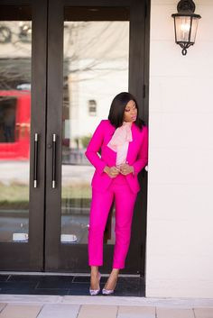 Schattierungen von Pink, Jcrew Pink Anzug, www. Pink Pants Outfit, Pink Outfits, Chic Outfits, Trendy Outfits, Fashion Outfits, Hot Pink Pants, Pink Suits Women, Look Blazer, Pantsuits For Women