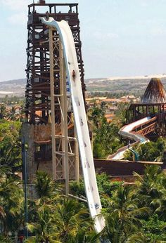 Worlds Tallest Waterslide InsanoBrazil- I doubt I would ever have the courage for this...but It looks like soo much fun!