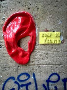 Zone sur ecoute - Street art - paris 4, rue pierre au lard