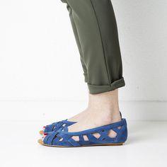 Doreen   Shop at Onyva.ch ° #shoes #lagarconne #shuhe #summershoes #onyva #fashion #design #shoedesign #cuteshoes #walk #madeforwalking #zurich #switzerland #swissmade Zurich, Summer Shoes, Cute Shoes, Switzerland, Designer Shoes, Heeled Mules, Heels, Fashion Design, Shopping
