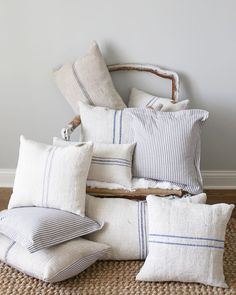 I'm always looking to add texture to a space ,and these pillows are perfect for that! These GORGEOUS authentic,grain sack pillows will be available tomorrow at Linen and Rust @ Shelbyville. will be stocking the Arrington shop today too! Country Farmhouse Decor, Farmhouse Style Kitchen, Modern Farmhouse Kitchens, Farmhouse Homes, French Country Decorating, Farmhouse Bench, Farmhouse Ideas, Vintage Farmhouse, Modern Country