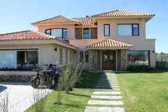 Colnial House  www.bazzuro.com