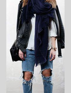 SWEDISH BLOGGER STYLE: LEATHER + DISTRESSED DENIM - Le Fashion