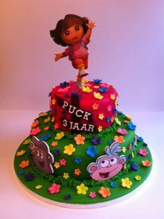 Taarten; Gemaakt door Jonne: Dora taart met Dora topper