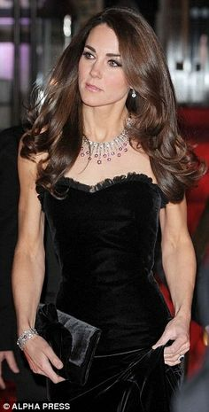 Kate Middleton hair (2011 Sun Military Awards)