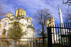 Islam und Christentum in unmittelbarer Nachbarschaft in Ferizaj ◆Kosovo – Wikipedia http://de.wikipedia.org/wiki/Kosovo #Kosovo