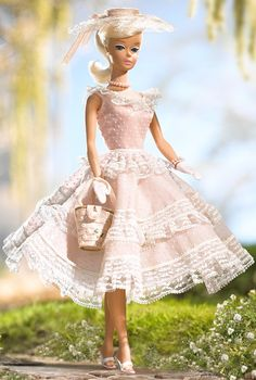 Looking for the Plantation Belle Barbie Doll? Immerse yourself in Barbie history by visiting the official Barbie Signature Gallery today! Barbie Style, Belle Barbie Doll, Dress Barbie, Barbie I, Barbie World, Barbie Clothes, Barbie Outfits, Play Barbie, Barbie Vintage