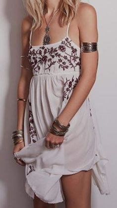 Looks I LOVE! Love the Dress! Love the Jewelry! Bohemian Style Embroidery Strap Summer Dress