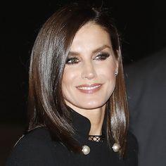 Queen Letizia, Elegant, Womens Fashion, Beauty, Spain, Makeup, Sophisticated Hair, Letizia Ortiz, Princess
