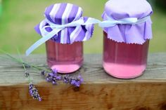 levandulova limonada Best Wine Clubs, Wine Delivery, Mason Jar Wine Glass, Food Art, Smoothie, Planter Pots, Cake Pops, Homemade, Food And Drink