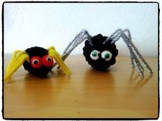 araignée, pomme de pin, halloween, bricolage enfant