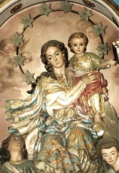 Behold thy Mother and Holy Queen!  A statue of Mary in Valencia, Spain.