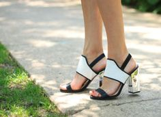 The Fox & She blogger in the Elyse heel