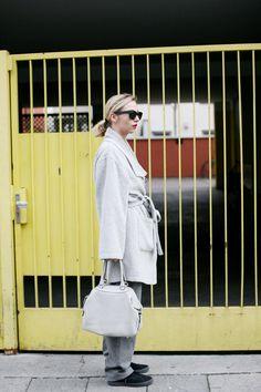 Graue Maus? Grey is the new black. Faith in grey. #ecofashion #handbag #beliya