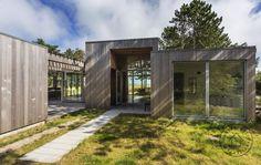Stylish and raw Danish minimalistic/scandinavian summer home in natural materials.