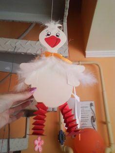 LIBA MÁRTON NAPRA /Martin's Day goose - mivagyunk.lapunk.hu Cardboard Crafts, Paper Crafts, Cute Crafts, Diy And Crafts, Diy For Kids, Crafts For Kids, Farm Animal Crafts, Kindergarten Projects, Origami