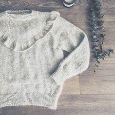 Mors flæsebluse, pattern olinesmor.dk Fashion 2017, Kids Fashion, Pulls, Baby Knitting, Sewing Crafts, Vintage Inspired, Knit Crochet, Knitwear, Knitting Patterns