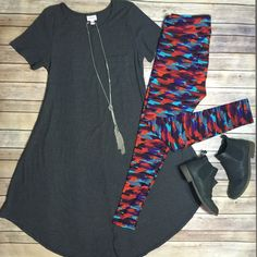 Fall outfit of the day! LuLaRoe Carly dress and leggings. Brittny's LuLaRoe Shop ✨