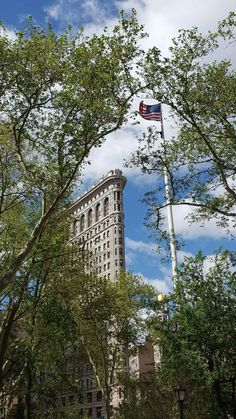 NYC the Flatiron Bldg pictured from Madison Square Park.