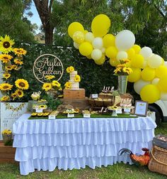 """Cookie Dessert Stylist Sydney on Instagram: """"Sunflowers mean spring to me, what is the first thing you think of when you see sunflowers? —————————— 𝗮𝗯𝗼𝘂𝘁 ——————————⠀⠀ Cookie Queen…"""" Sunflower Party, Cookie Desserts, Sunflowers, Sydney, Birthday Cake, Baby Shower, Queen, Table Decorations, Spring"""