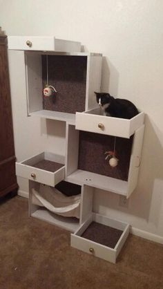 your pampered feline a cat tree with old drawers! repurposed furniture, etc into easy diy cat furniture Pet Furniture, Furniture Projects, Furniture Makeover, Furniture Design, Diy Projects, Barbie Furniture, Garden Furniture, Office Furniture, Bedroom Furniture