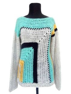 This Pin was discovered by cos Crochet Jumper, Crochet Coat, Crochet Cardigan, Love Crochet, Crochet Granny, Crochet Shawl, Crochet Clothes, Clothing Patterns, Crochet Patterns
