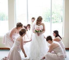 Bride with bridesmaids. Wedding photography inspiration. Bridal photography. Bridal prep. Wedding dress. Bridesmaids dress. Wedding.