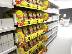 Shelf Tray // Point of Purchase Project for Esfrebom Sponges by Mathias D'Andrea Modena, via Behance Regal Display, Pos Display, Display Design, Display Shelves, Store Design, Vendor Displays, Store Displays, Pos Design, Retail Design