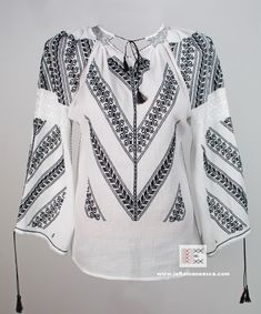 ie Romanian blouse - handmade embroidery - bohemian, boho chick, hippie style Embroidery Fashion, Vintage Embroidery, Embroidery Stitches, Embroidery Patterns, Embroidered Clothes, Embroidered Tops, Lazy Daisy Stitch, Straight Stitch, Peasant Blouse