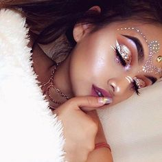 Coachella make-up look ❤ Festival Looks, Festival Make Up, Festival Camping, Festival Style, Makeup Art, Makeup Tips, Beauty Makeup, Makeup Ideas, Gypsy Makeup