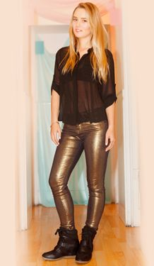 #MeFascinaRipley Especial Be INDEX Leather Pants, Chic, My Style, Boots, Womens Fashion, Skirts, People, Outfits, Clothes