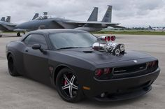 MONSTRO - Dodge Challenger SRT8