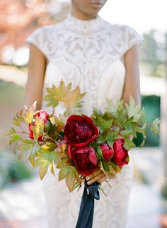 Dramatic + Romantic Bouquets Fit for Any Love Story – Style Me Pretty