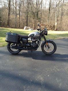 Triumph T120 Triumph Bonneville T120, Triumph Motorcycles, Bobber, Wonders Of The World, Touring, Transportation, Garage, Carport Garage, Triumph Bikes
