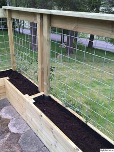 There are many benefits to using raised vegetable garden beds in your garden. For starters, elevated garden beds are easier on your back and knees because they require less bending, kneeling and crawling than . Patio Fence, Backyard Fences, Garden Fencing, Diy Fence, Fence Ideas, Fenced Garden, Garden Mesh, Garden Hedges, Backyard House