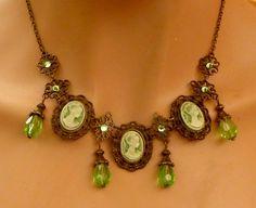 Barocke Kamee Halskette Collier in grün bronze von Schmucktruhe