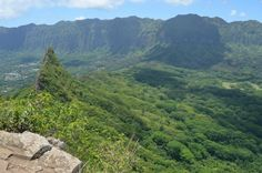 http://thesilversword.com/editorial/2013/01/25/top-10-best-hikes-on-oahu/