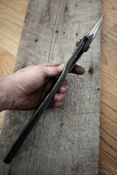 Forged scroll tongs from 4140 by Jakob Faram