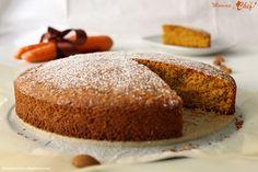 La torta di carote e mandorle è una torta soffice e leggera, ideale per una colazione e una merenda sana e nutriente.