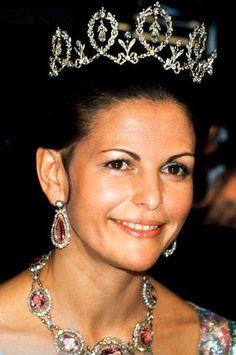 Connaught Diamond Tiara (Sweden). Queen Sylvia also wears this as a necklace.