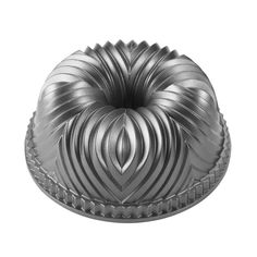New Nordic Ware Carousel Cake Bundt Pan William Sonoma
