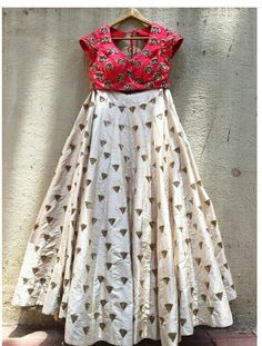 Find more info at the internet site press the link for additional indian saree blouse Designer Bridal Lehenga, Indian Bridal Lehenga, Indian Dresses, Indian Outfits, Western Outfits, Lehenga Choli Latest, Simple Lehenga, Indian Attire, Indian Wear