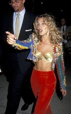 Sarah Jessica Parker in Versace 70s Fashion, Look Fashion, High Fashion, Vintage Fashion, Fashion Outfits, Fashion Trends, Studio 54 Fashion, 80s Disco Fashion, Fashion Scarves