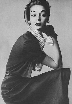 April Vogue 1952 Jean Patchett